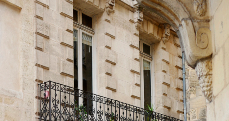 Achat / Vente immobilier neuf Bordeaux à 300 mètres de la Porte de Bourgogne (33000) - Réf. 5186